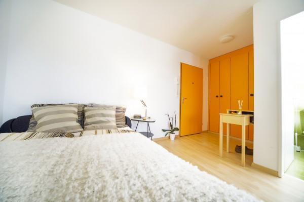 Wohnraum des Serviced Apartment Luzern