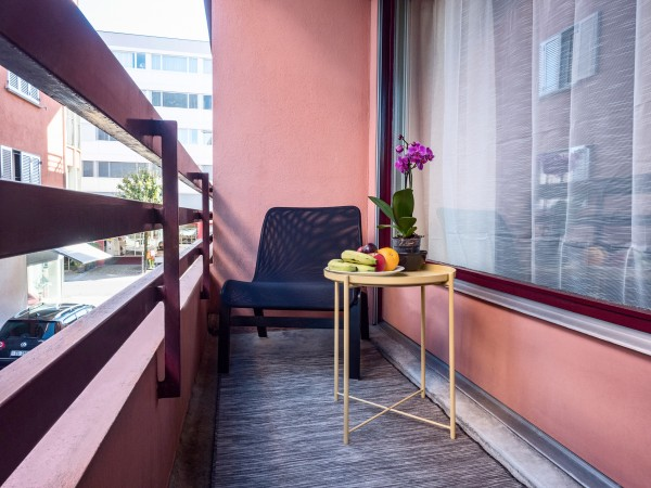 Zug Balkon Business Apartment